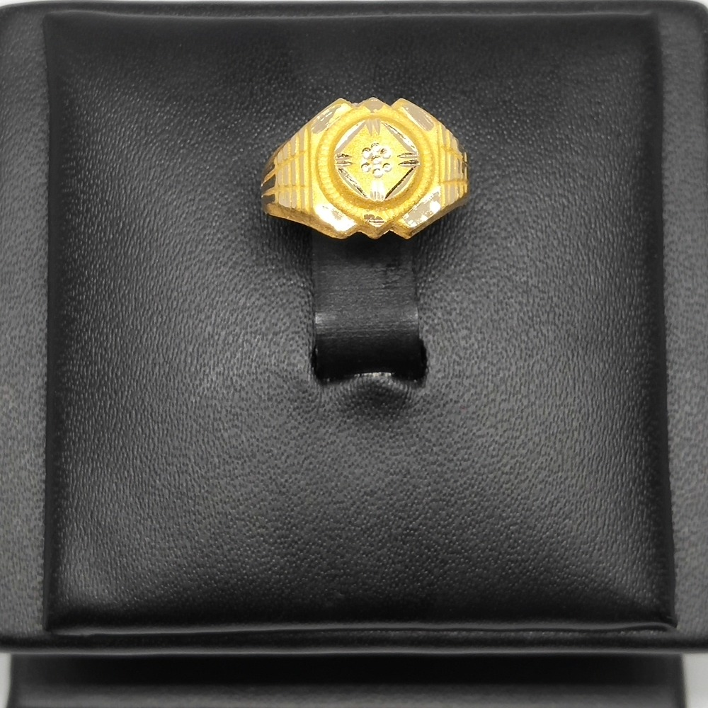 18Kt gold attractive gents ring dj-r004