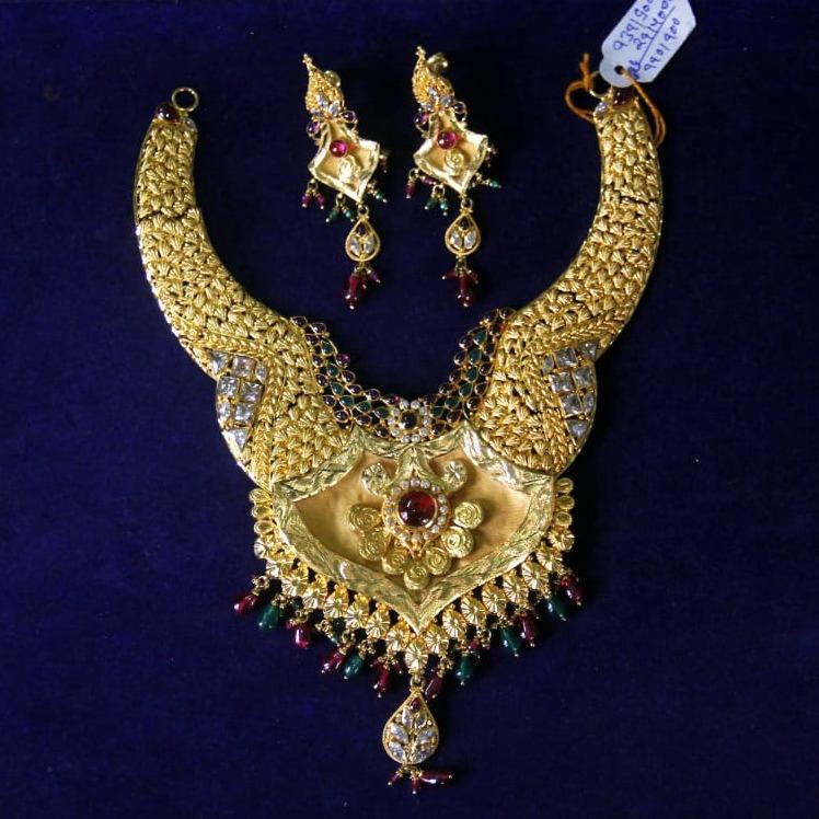 22Kt Gold Traditional necklace Set SRN-N002