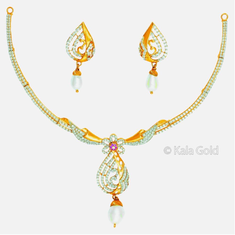 916 CZ Gold Classic Diamond Necklace Set