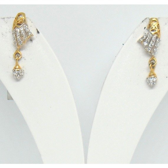 22kt / 916 gold cz fancy deaily ware earrings for ladies btg0060