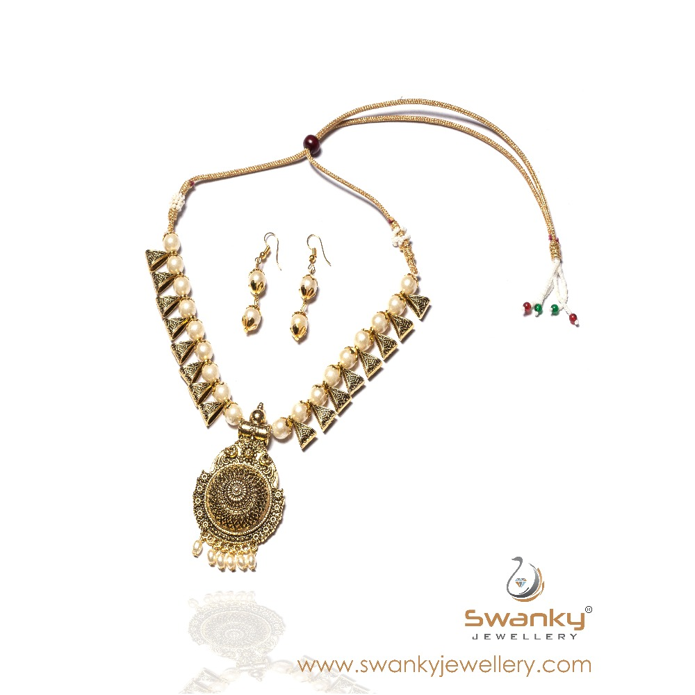 Antique pendant with beads necklace set