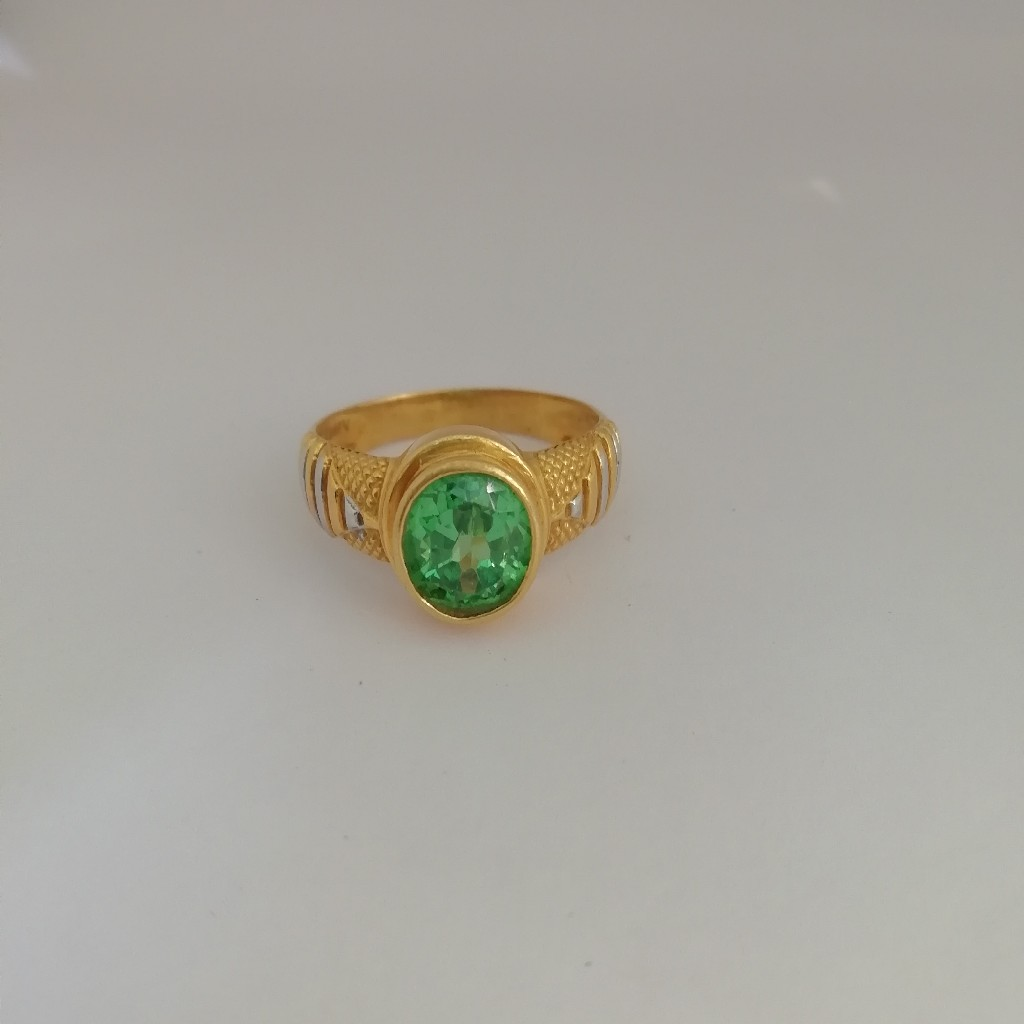 916 gold green diamond Gents ring