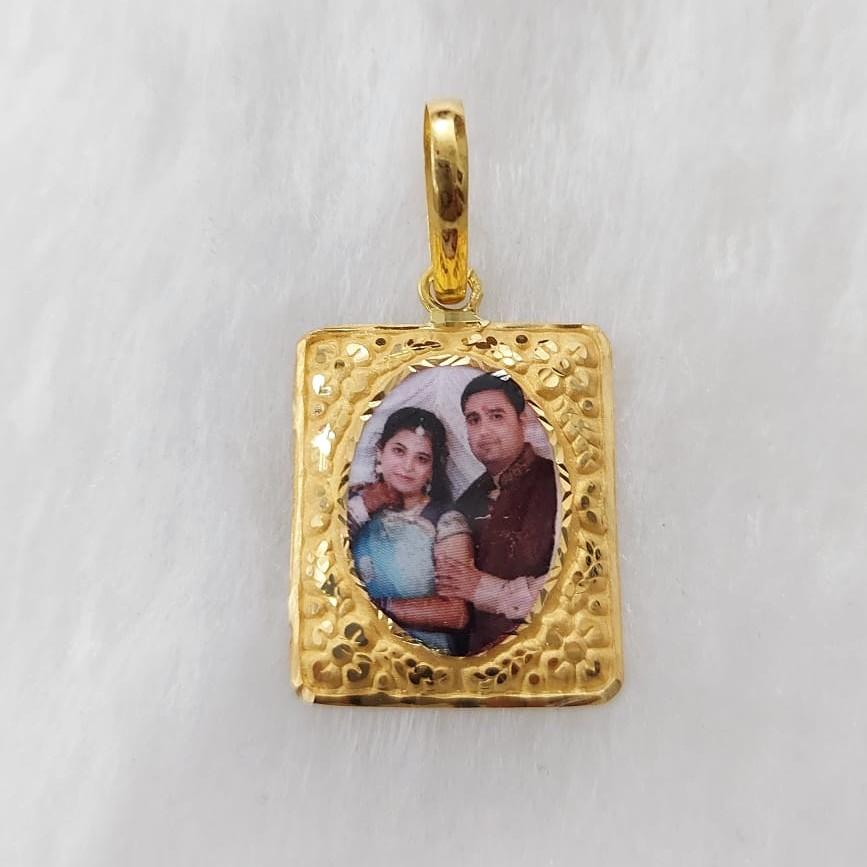 916 Gold Fancy Photo Mina Pendant