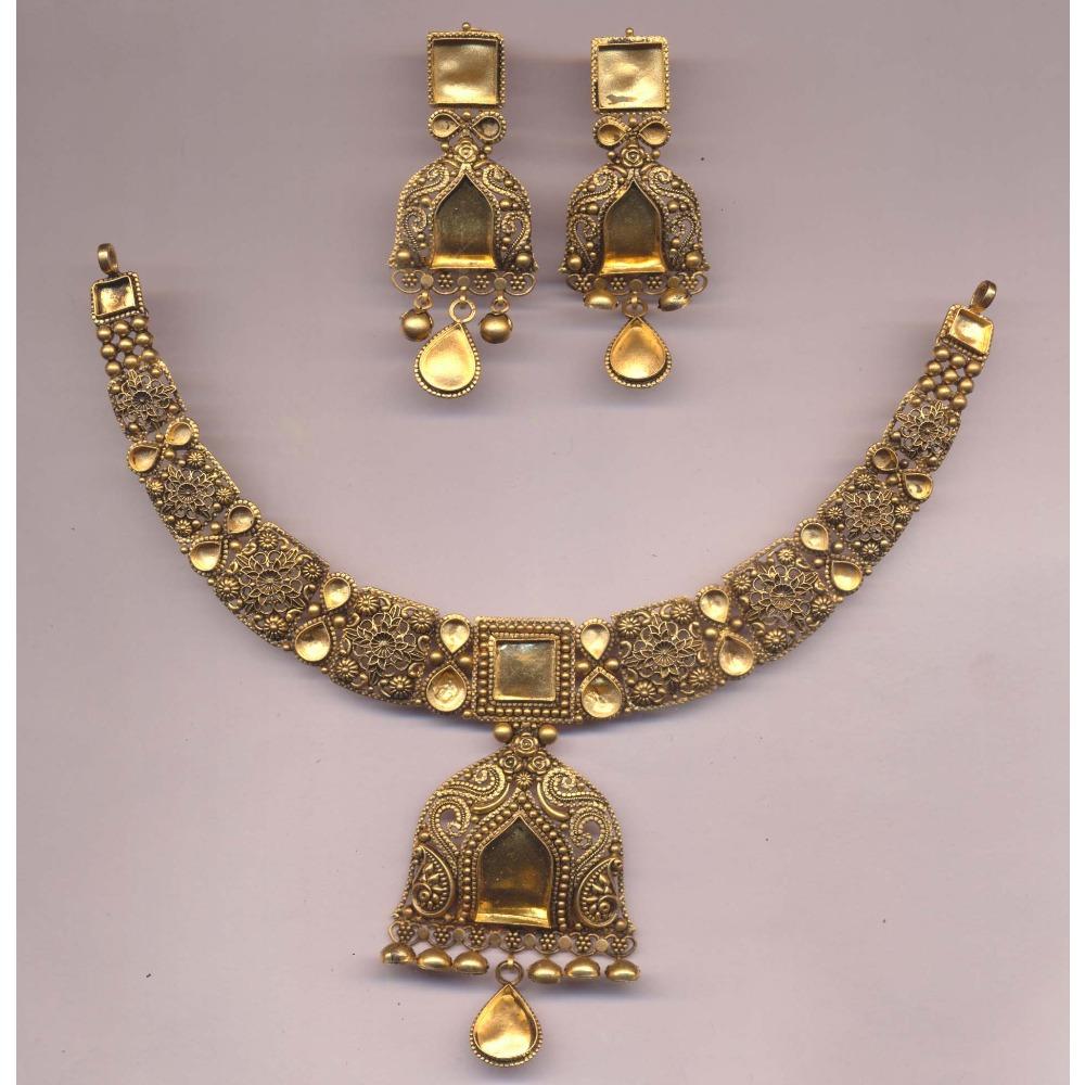 22Kt Gold Hallmark Jadtar Khokha Necklace Set