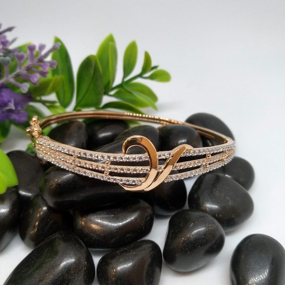 18KT Attractive Rose Gold Bracelet For Women PO-B006