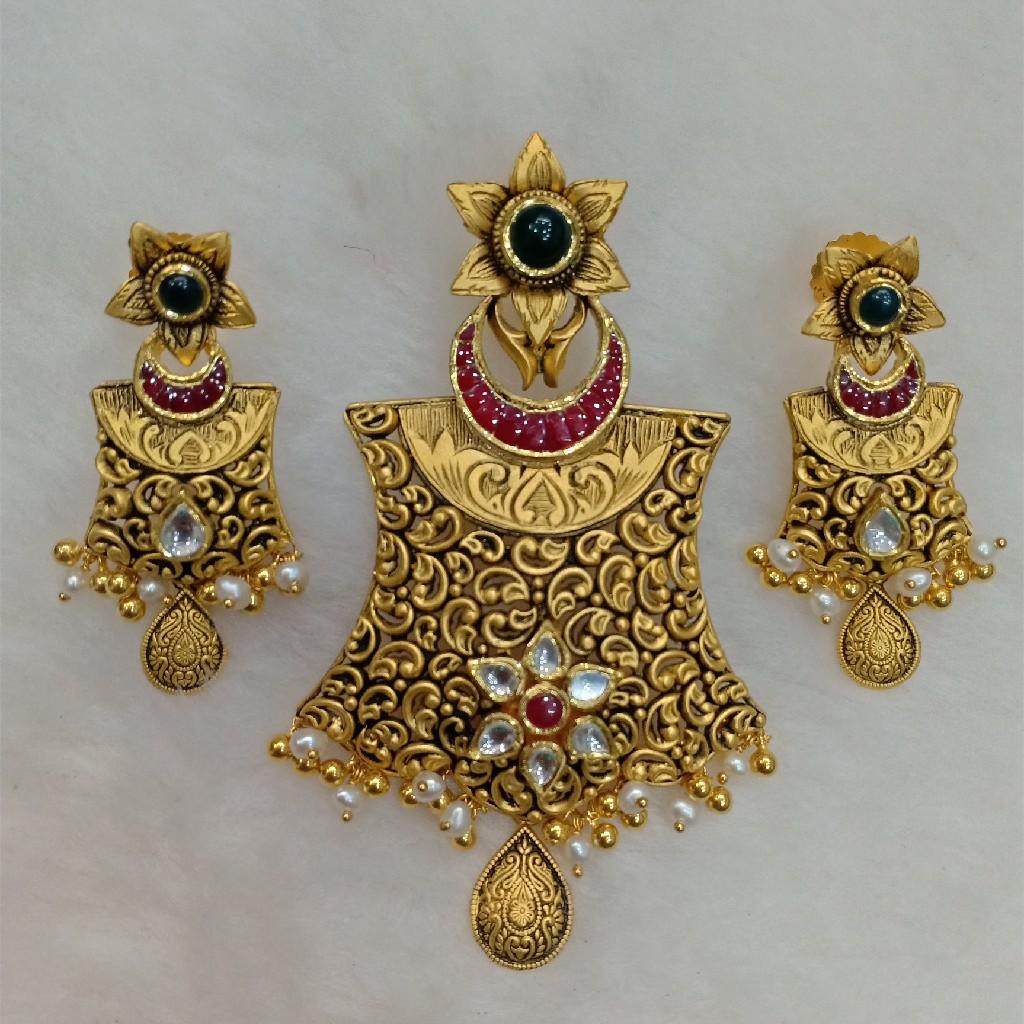 22kt antique gold pendant set aps-012