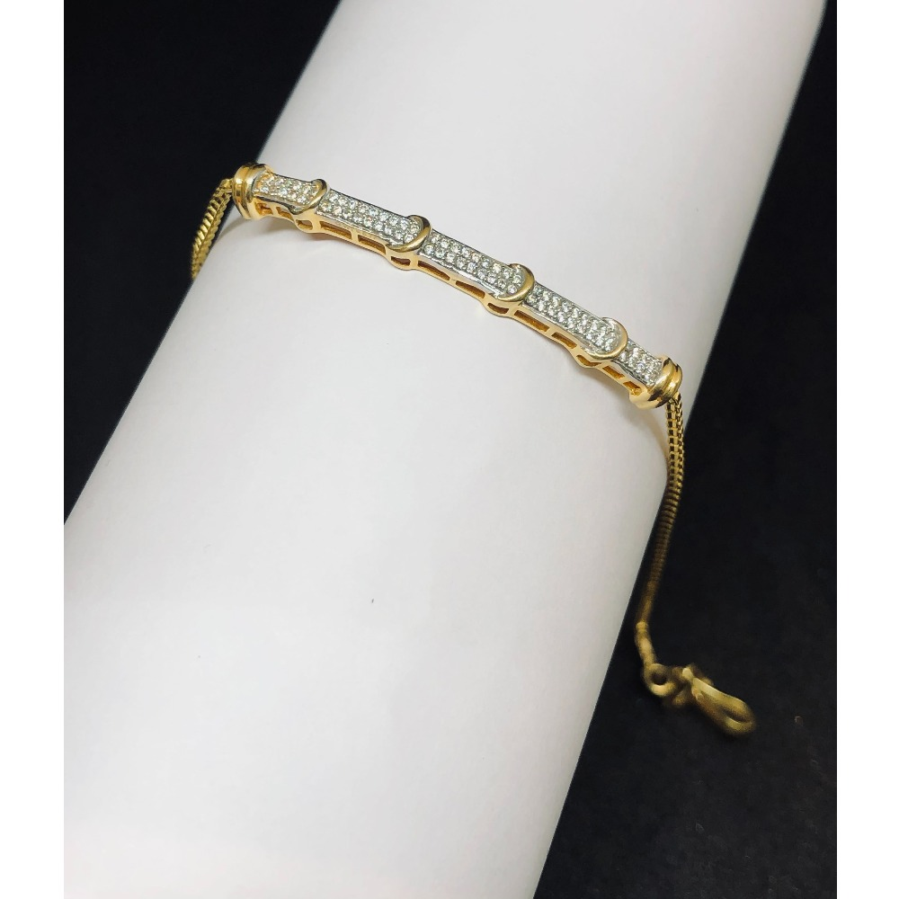 22kt, 916 Hm, gold and diamond studded classy bracelet JKB092