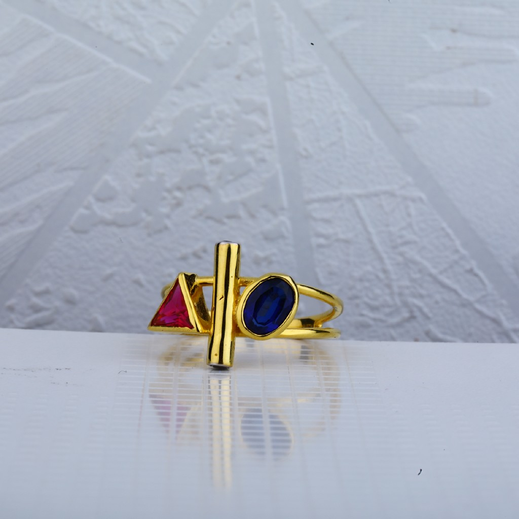 18ct Gold Italian Ring LIR57