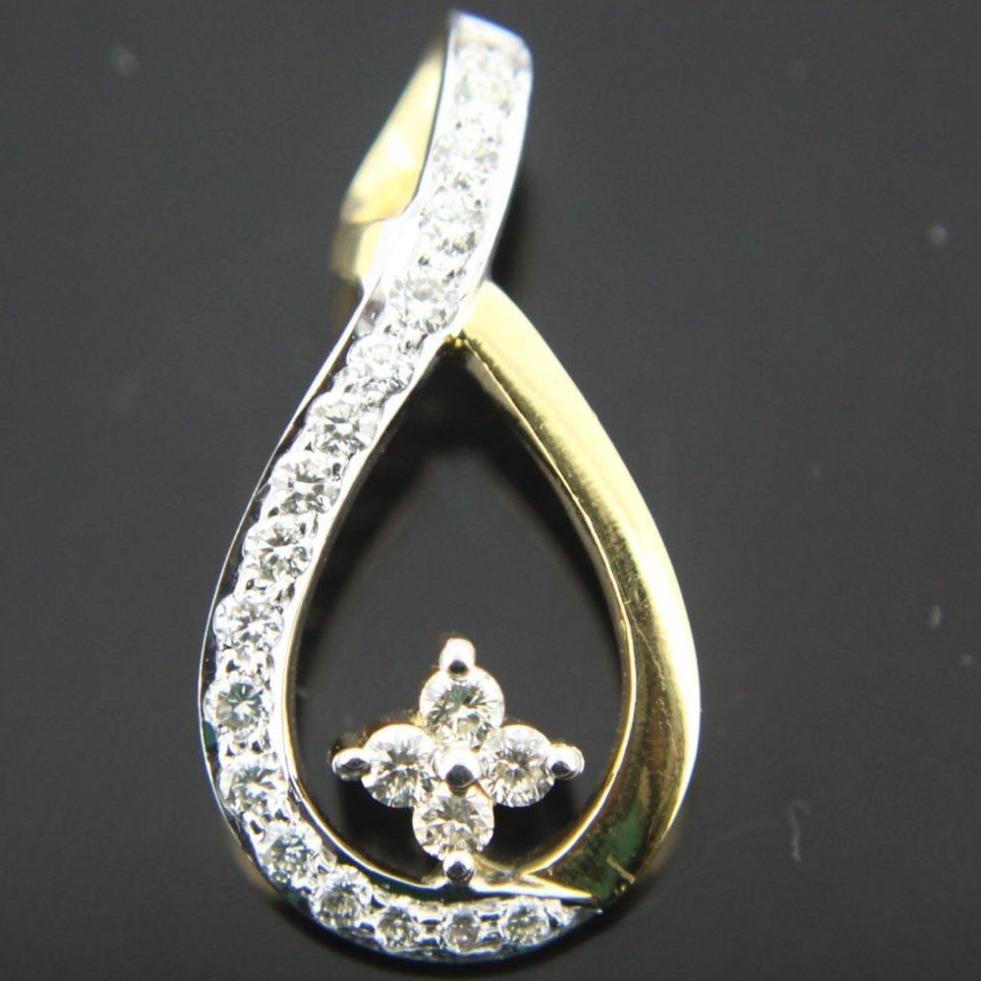 22KT Gold Designer Diamond Pendant GK-P01
