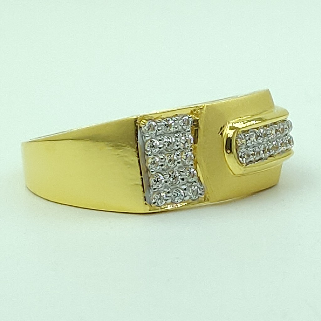 22kt yellow gold cz fancy light weight gents ring