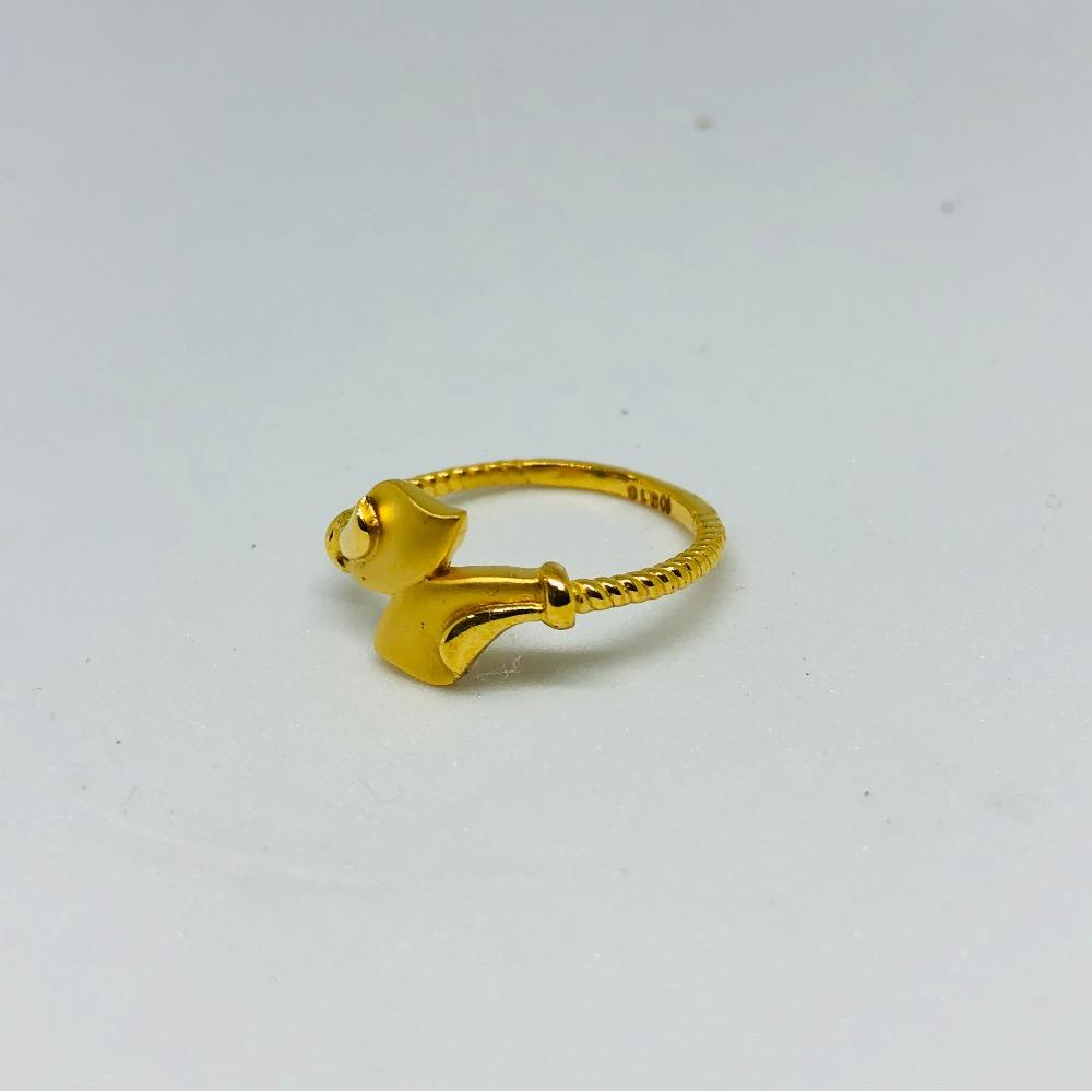 22KT Gold Stylish Ring For Women KDJ-R009