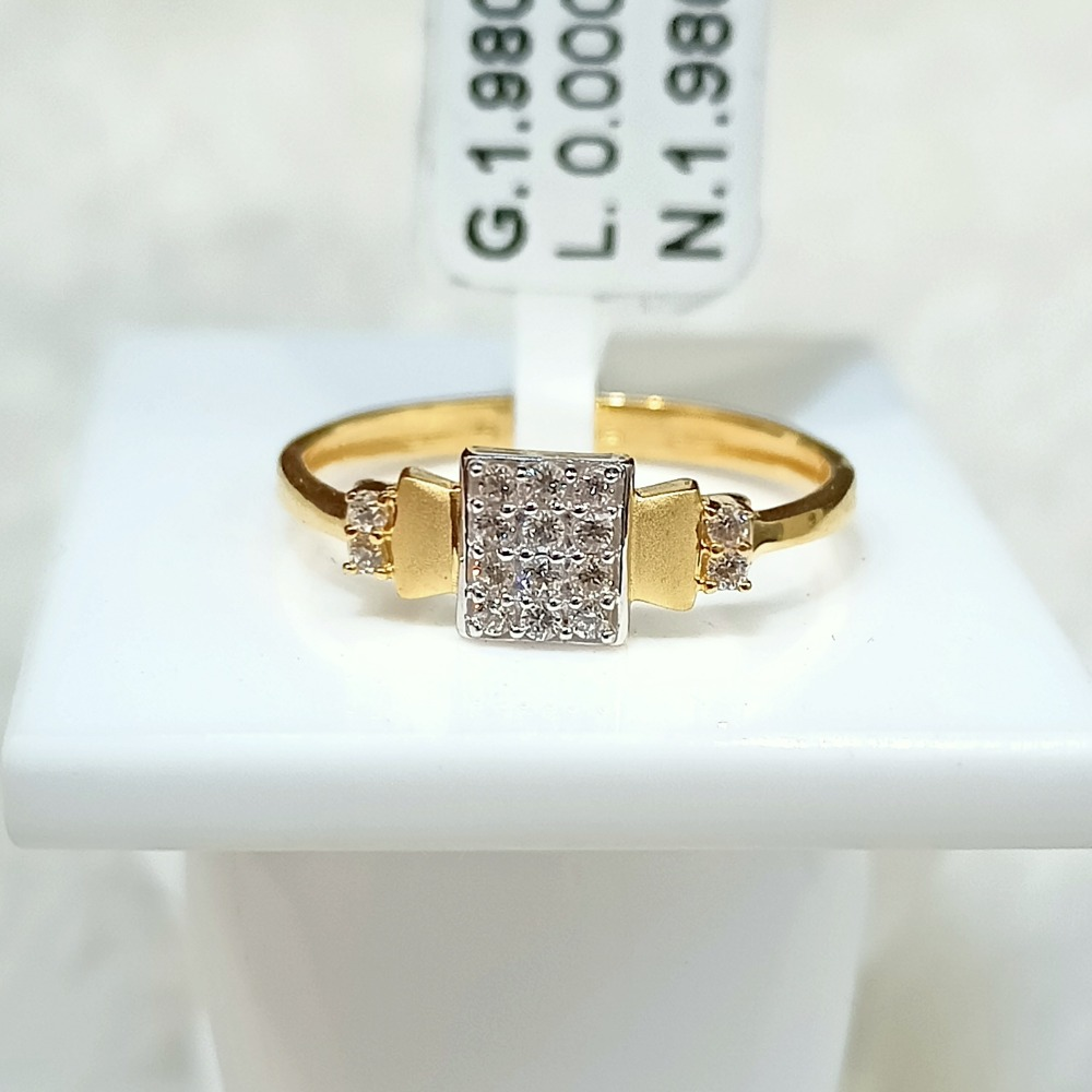 22 KT SQUARE DIAMOND RING