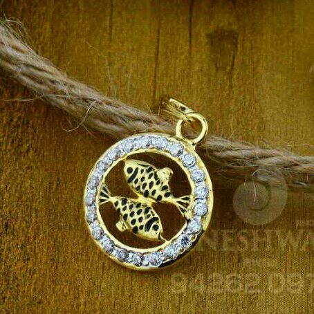 18kt Designer Cz Gold Fancy Pendant