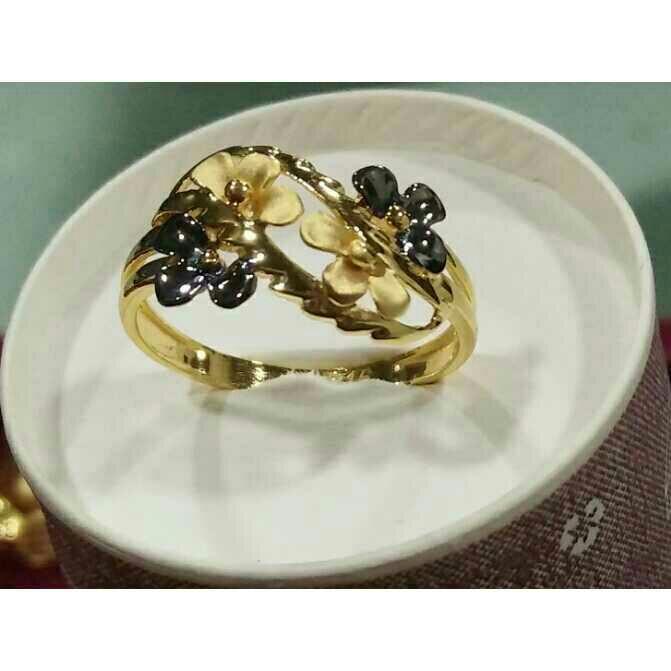 916 Gold Italian Ladies Ring