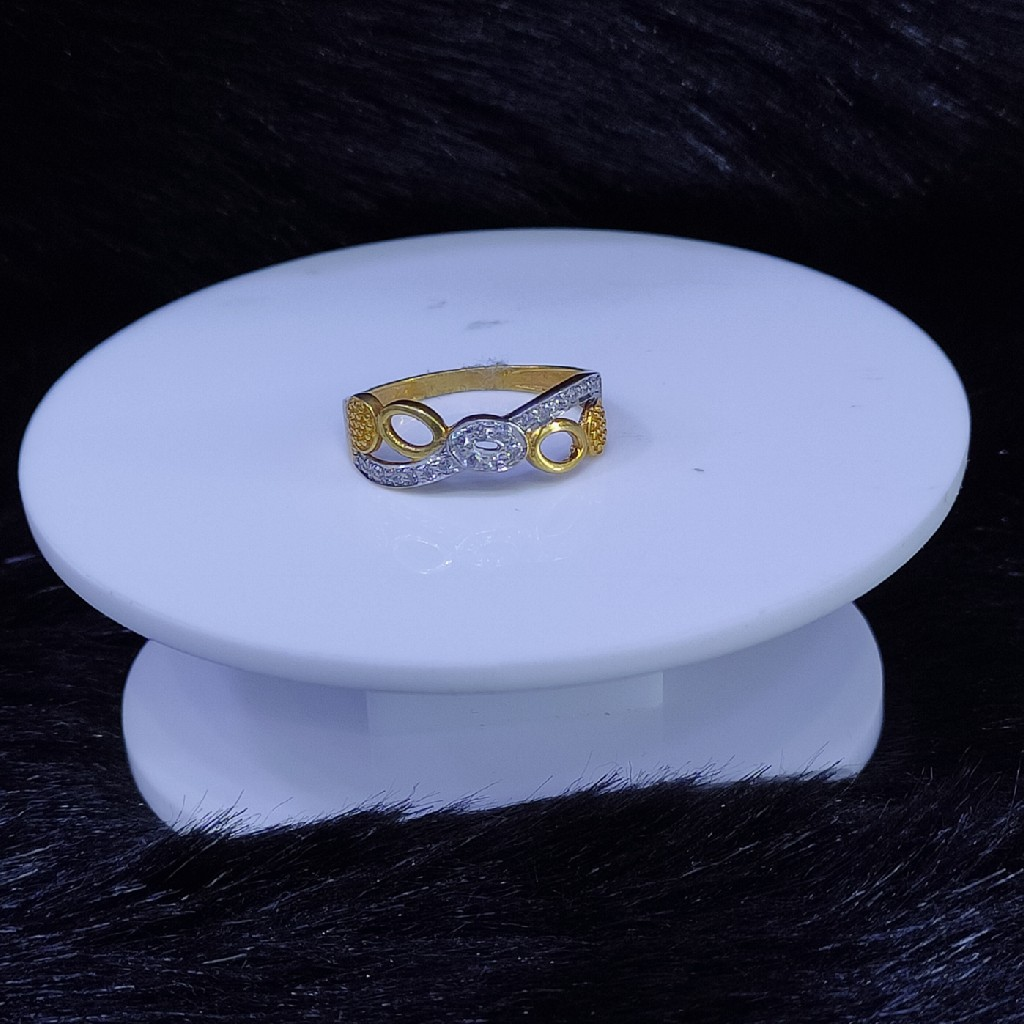 22KT/916 Yello Gold Floral Classic Ring For Women