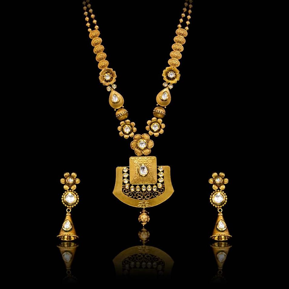 916 Gold Hallmark Fancy Necklace Set
