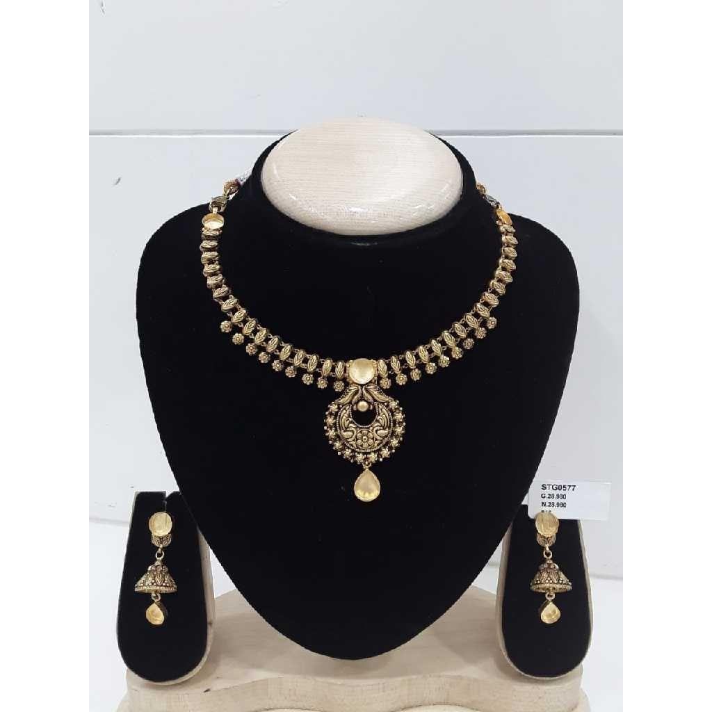 Antique Jadtar Khokha Style  With  Black Palish