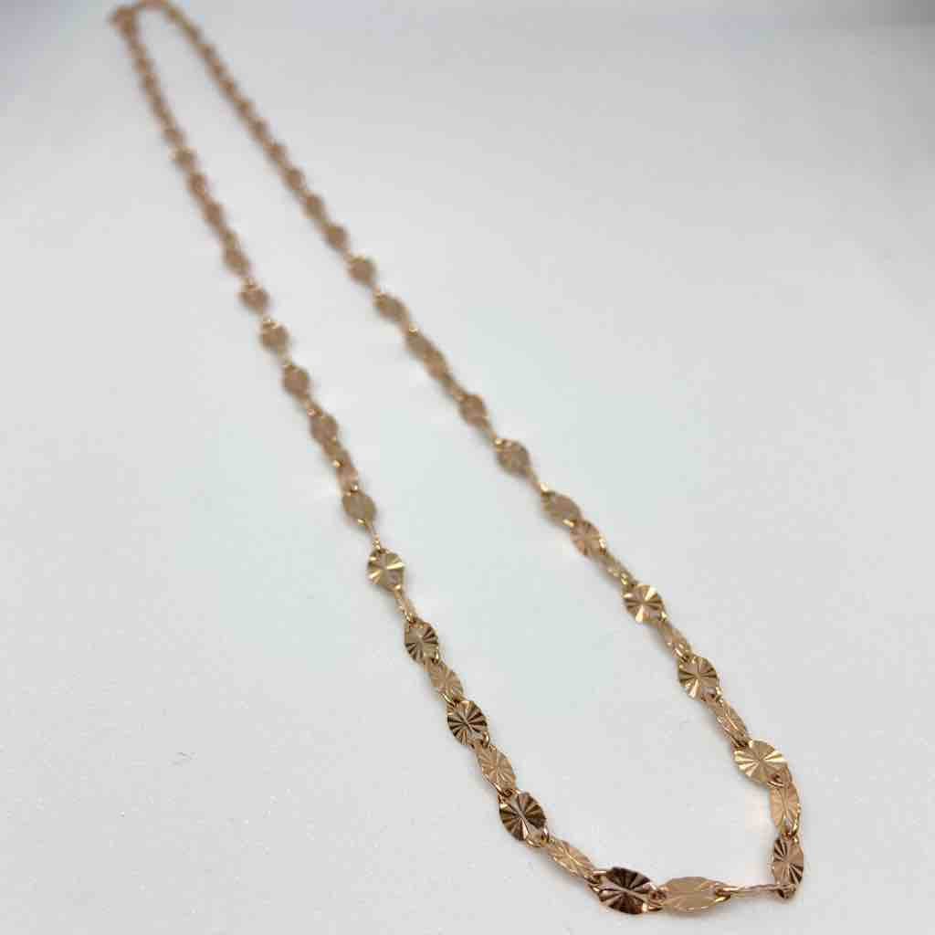 18 karat, detailed rose gold chain for women