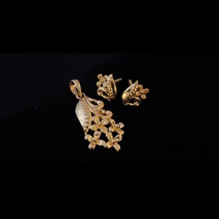 22 K Gold Pendant Set. nj-p01203