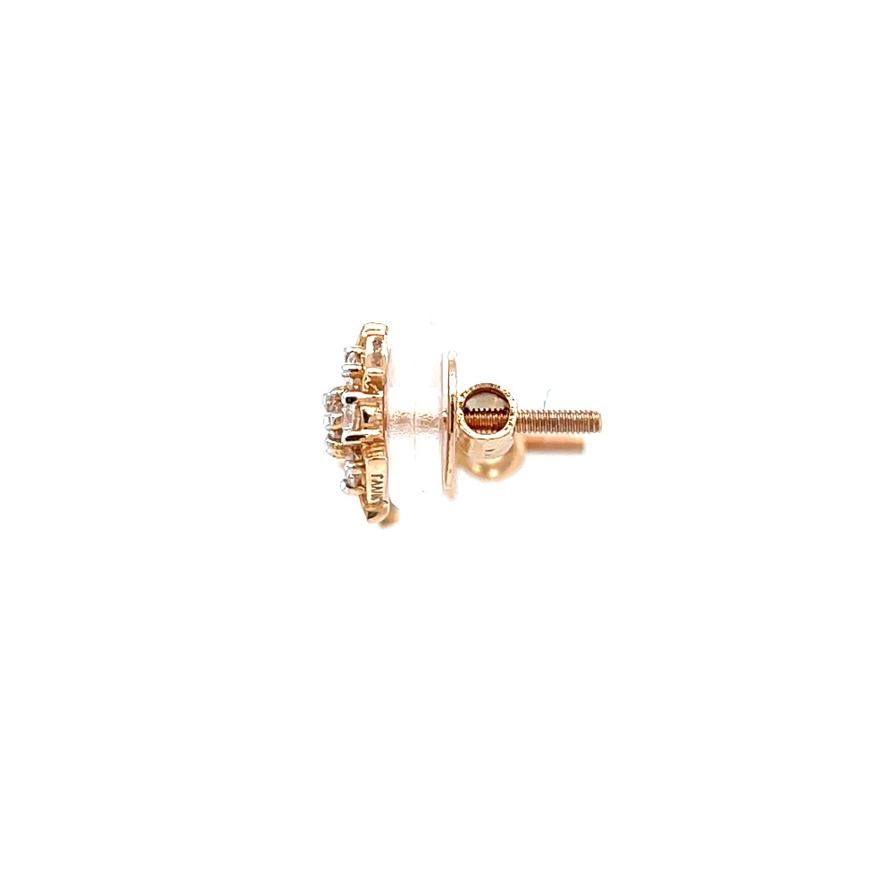 Seven diamond star stud with pizza shape design in rose gold