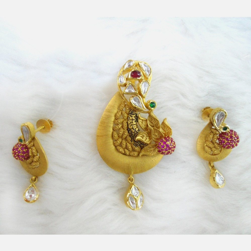 916 Gold Antique Pendant Set RHJ-5591