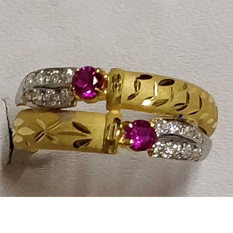 916 Attractive Gold Ladies Ring