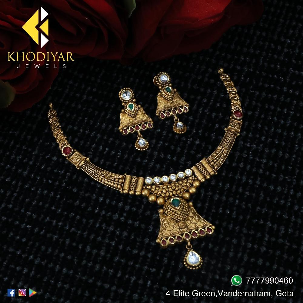 22KT Gold Antique Bridal Necklace Set KJ-N002