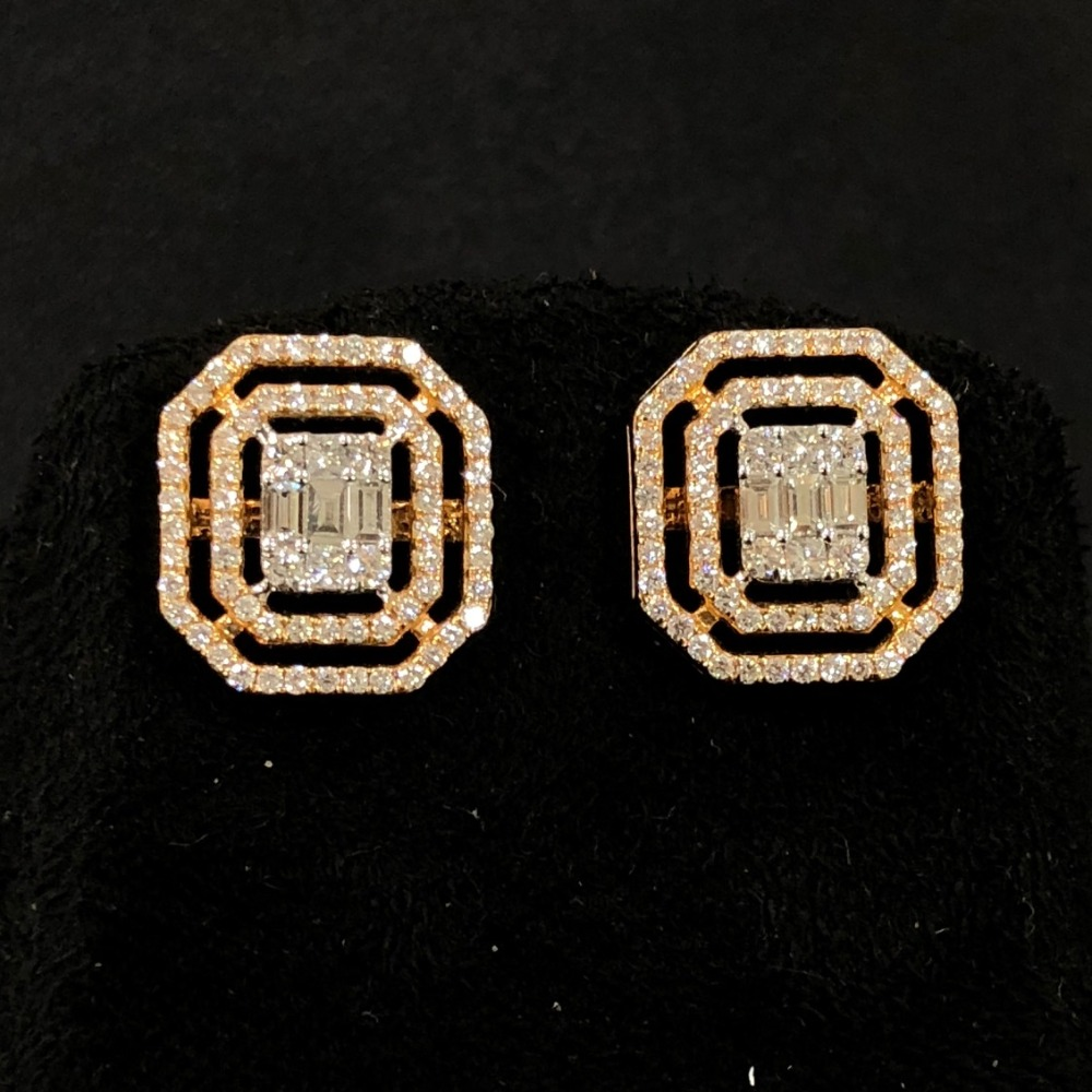 Attractive diamond stud earring