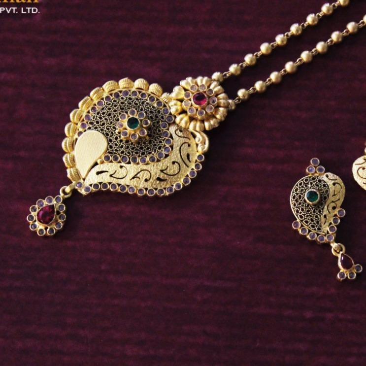 chakri dokiya cum mini neckles  set with earing