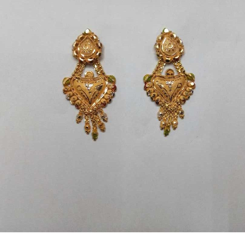 18kt Gold Attractive Designer Earrings