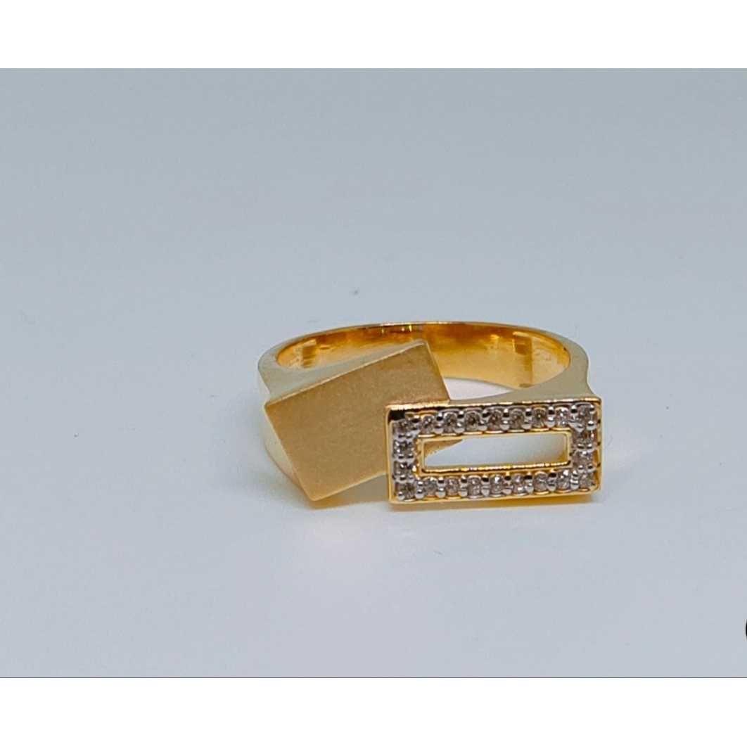 916 Gents Fancy Gold Ring Gr-28644