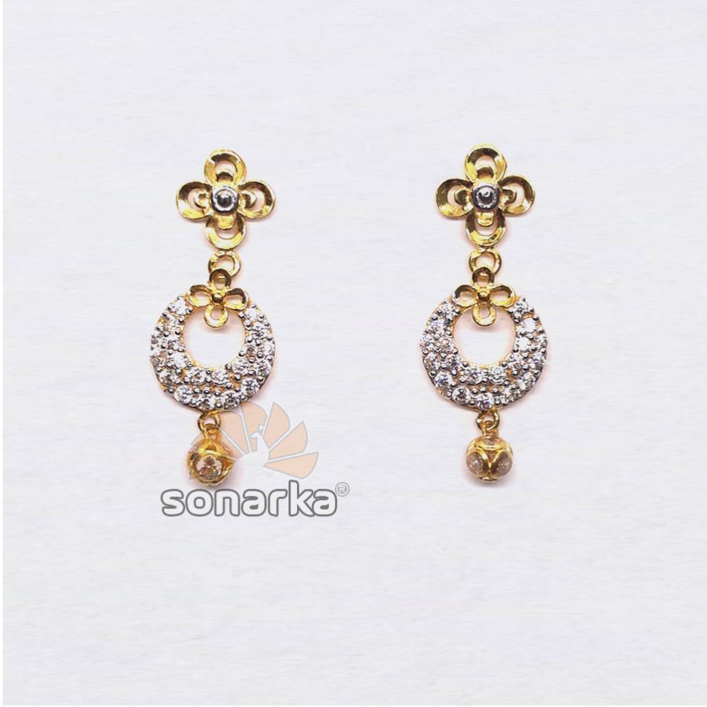 916 Gold Flower Design CZ Diamond Earrings