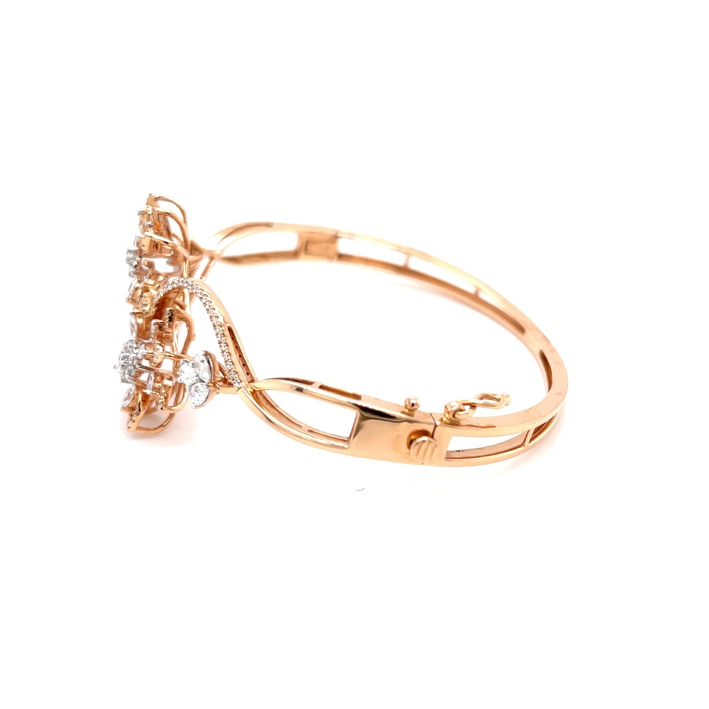 Pulchra Two Flower Bracelet in Rose Gold With Delicate Stems