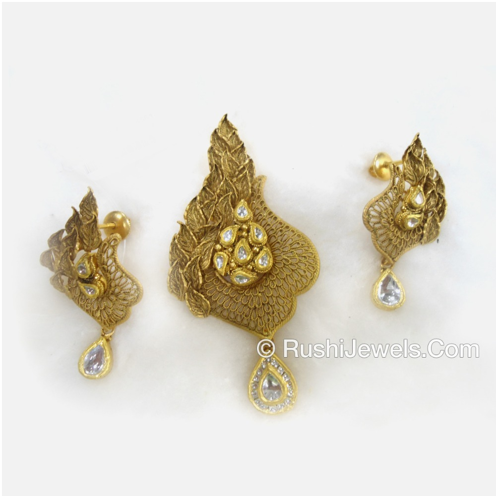 22kt 916 Antique Gold Pendant Set