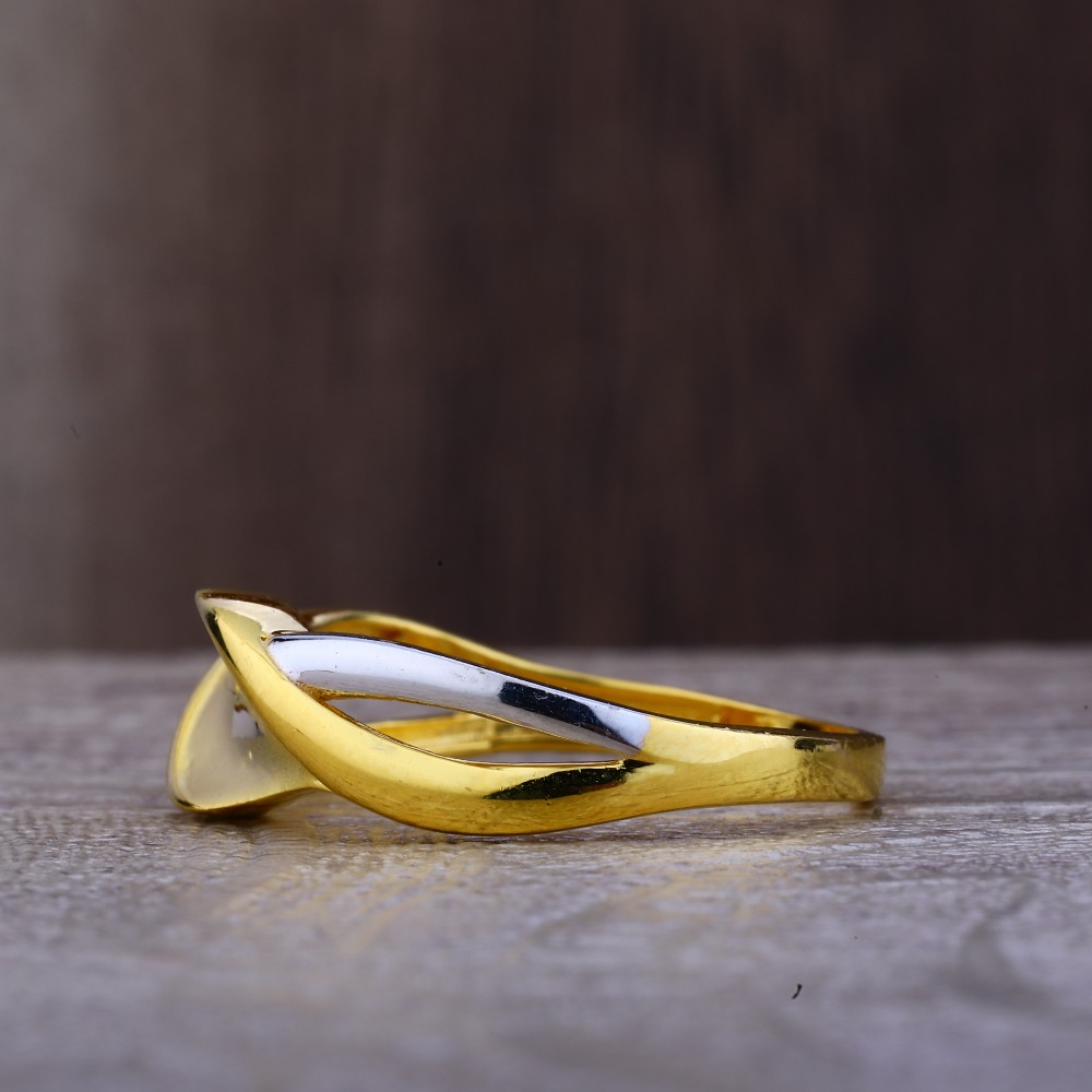 Ladies 22K Gold Fancy CZ Ring -LPR84
