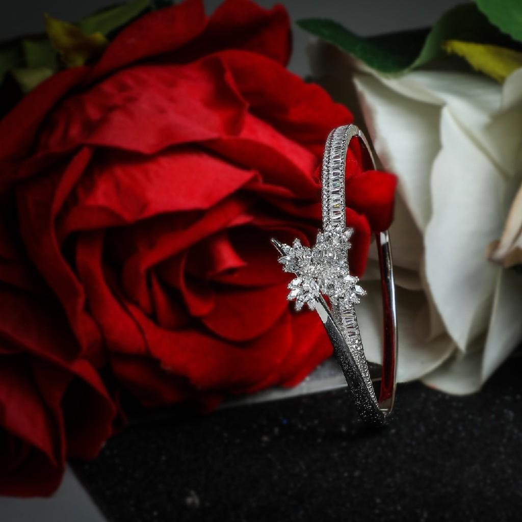 92.5 Sterling Silver Cz & Choki Stone Fancy   Brecelet For  Women