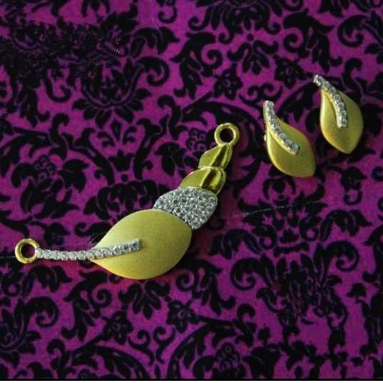22 K Gold Antique Pendant Set. nj-p01164