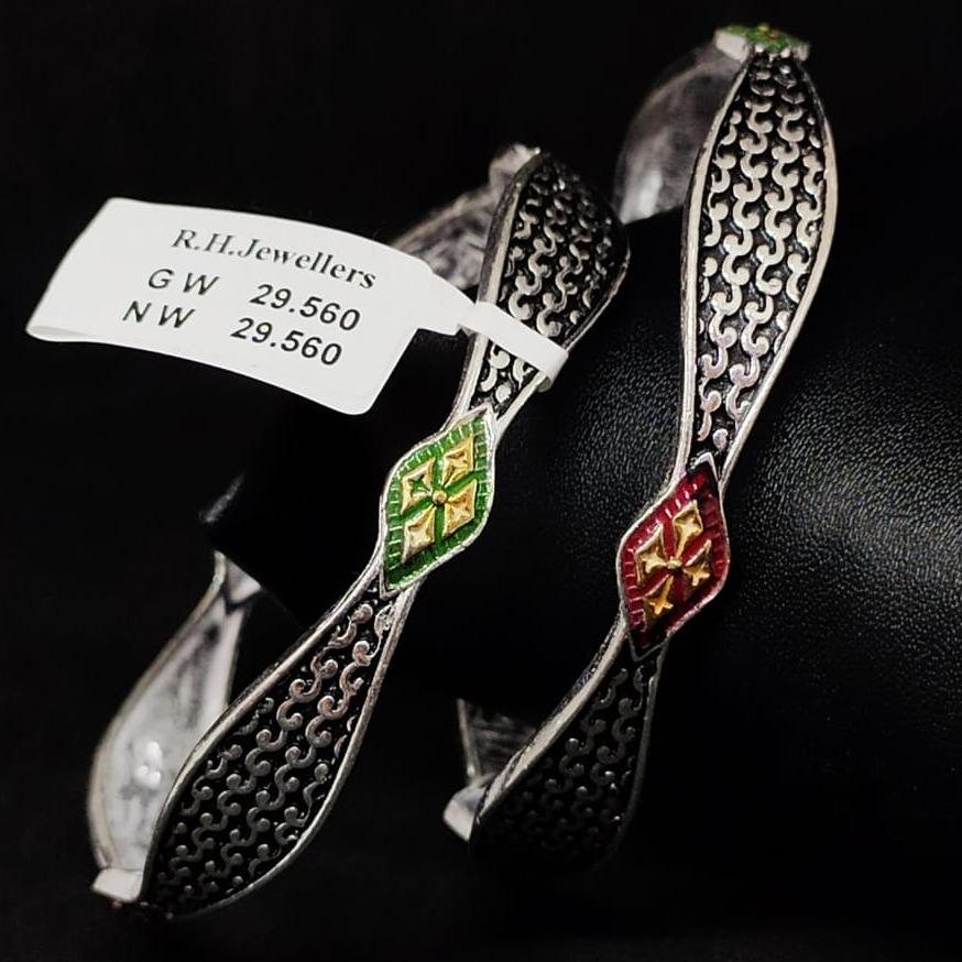 silver traditional ladies bangles RH-LB921
