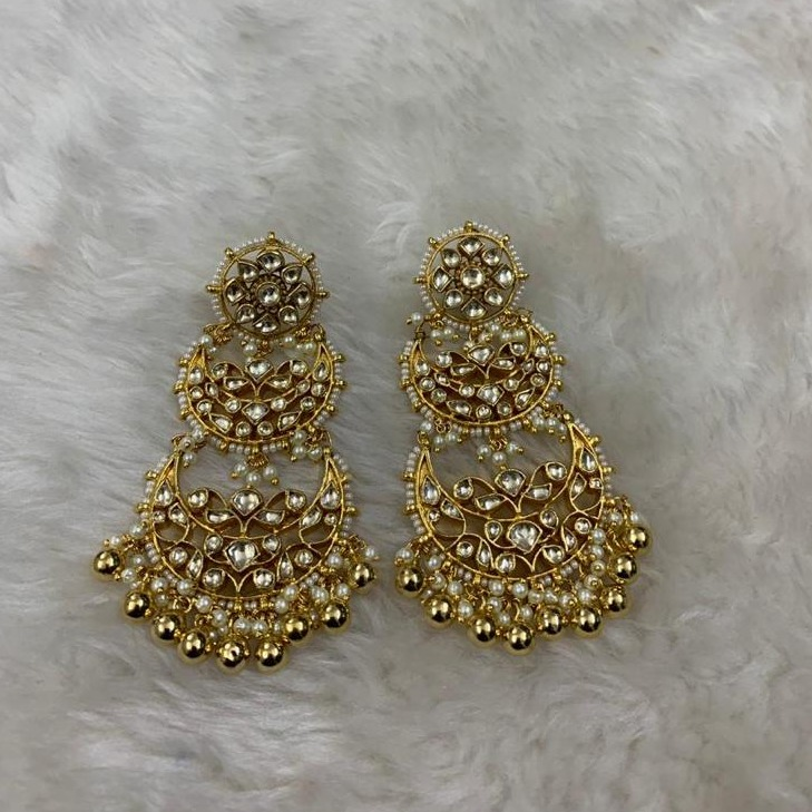 Imitation While Beads Earrings