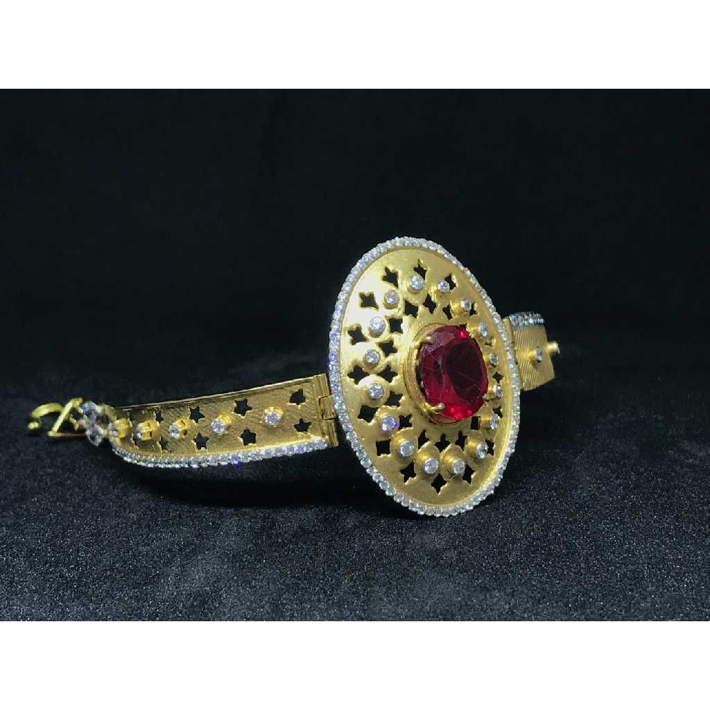 18k Ladies Fancy Gold Kada K-51036