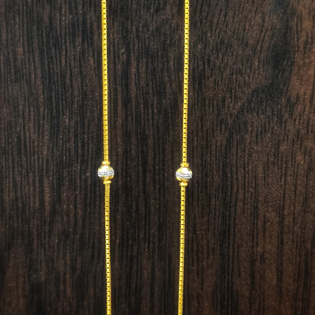 22 carat gold light weight ladies chain 5gm