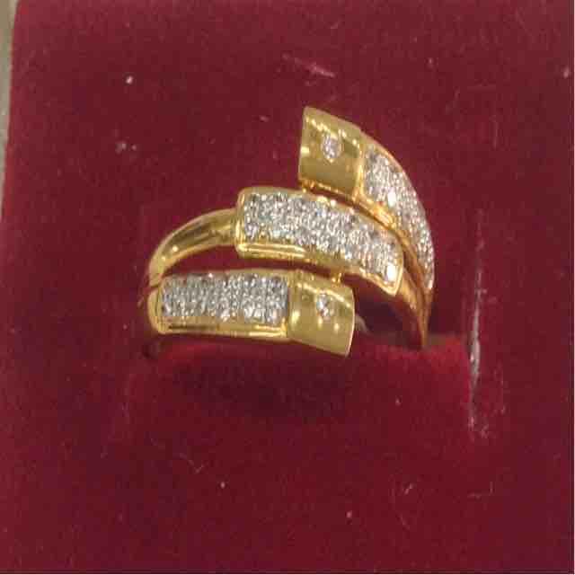 916 Gold Ethnic Ladies Ring