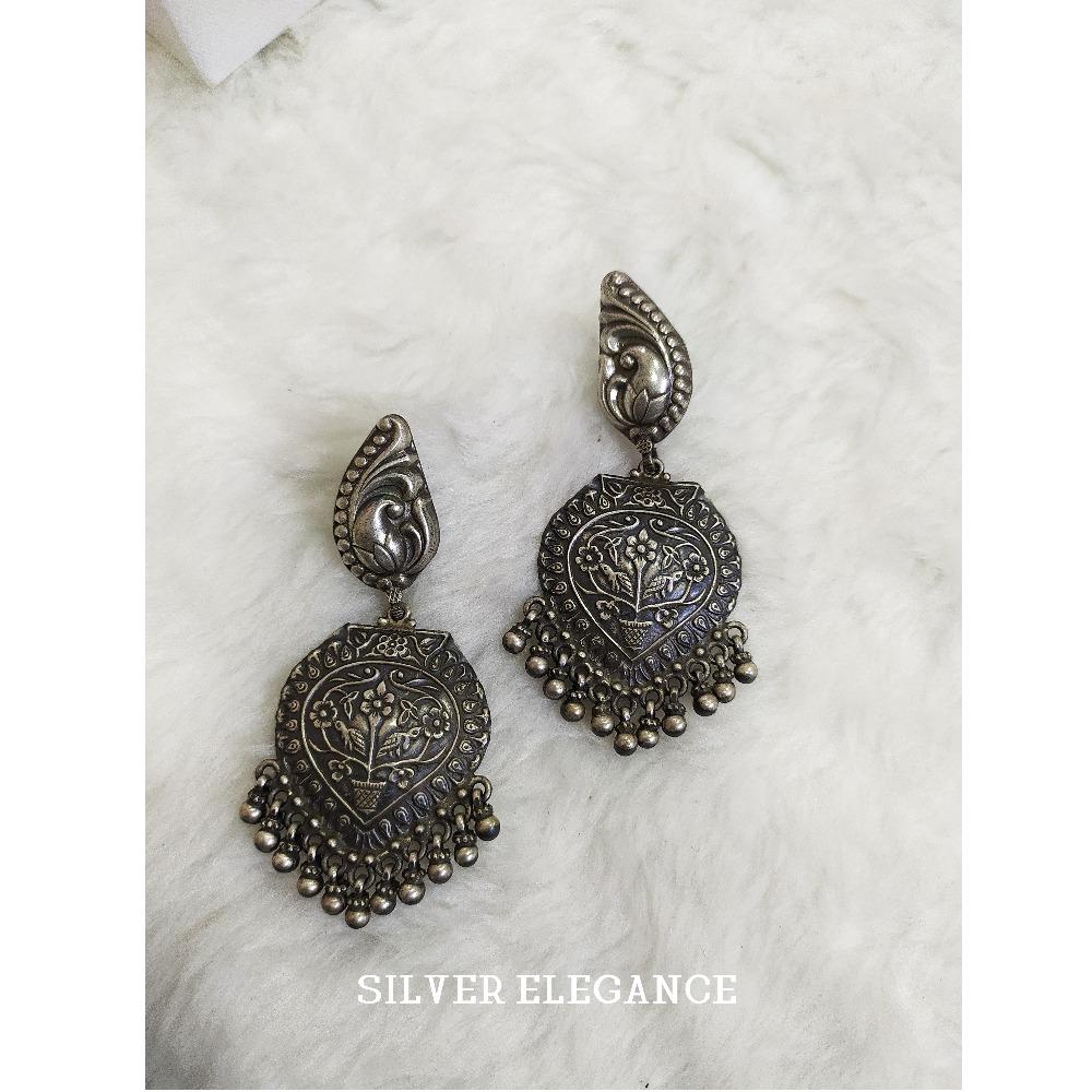 Silver flower design antique earring se-e002