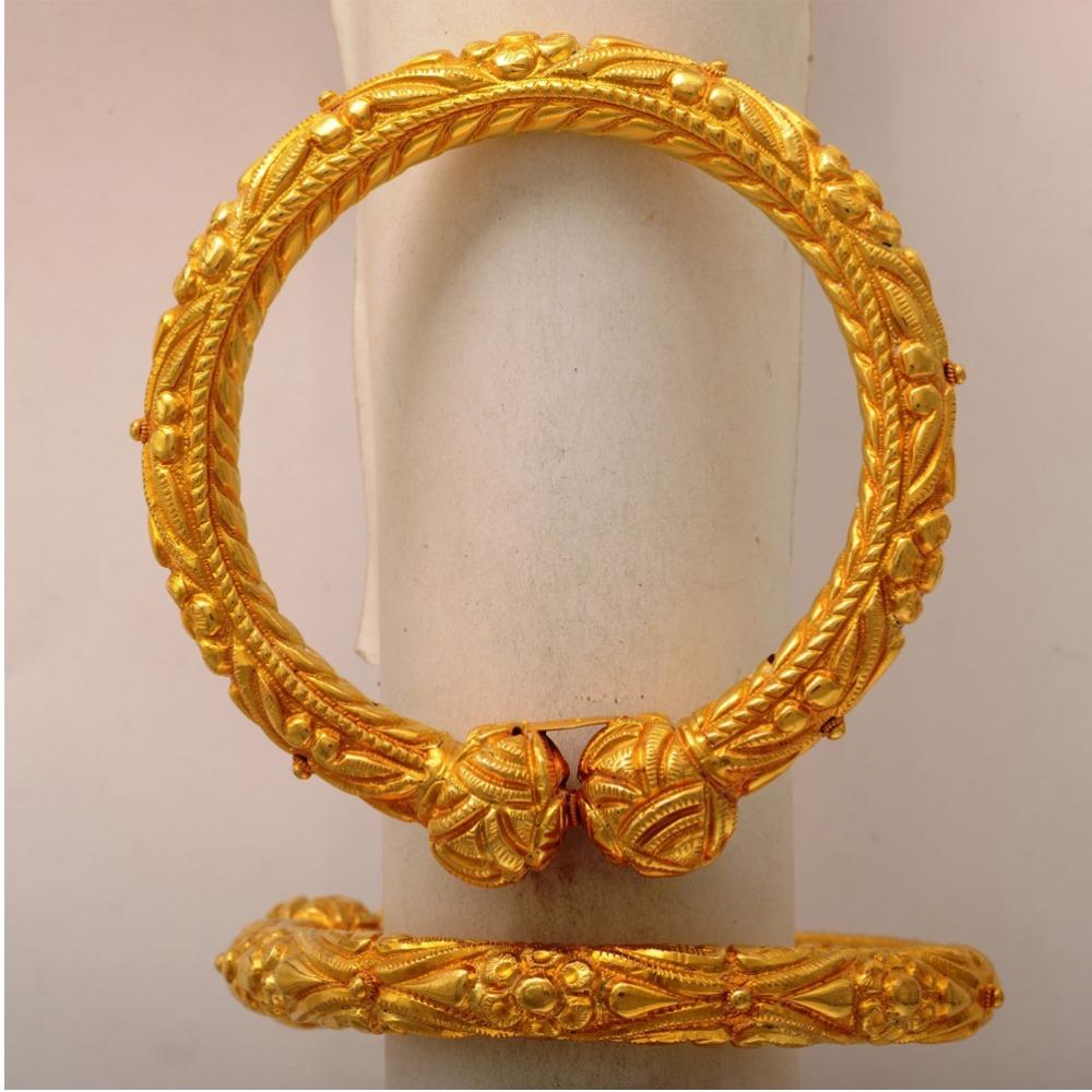 22KT Yellow Gold Designer Chitrela Kada