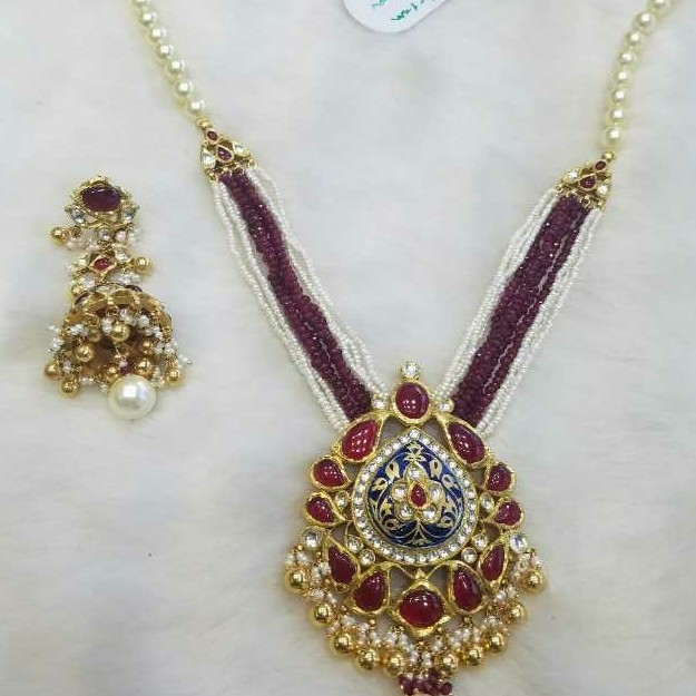 Gold Ladies Bikaneri Peacock Pendant Set
