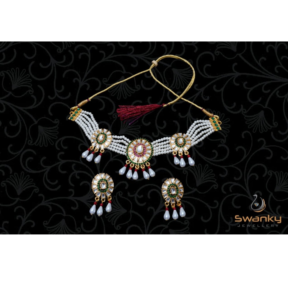 ATTRACTIVE WHITE PEARL MOTI SET WITH GLASS CHATONS & BEADS