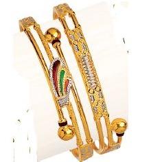22K / 916 Gold Cross Pipe Designer Kadli