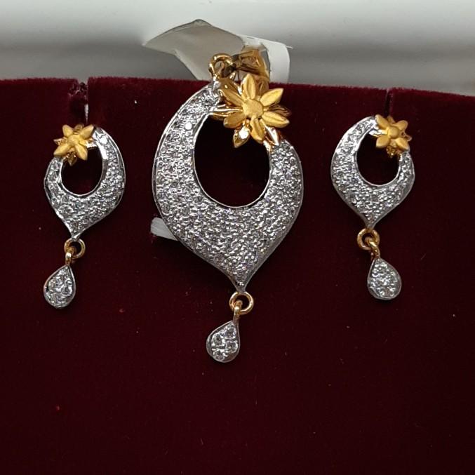 916 hallmark pendant set QW9436