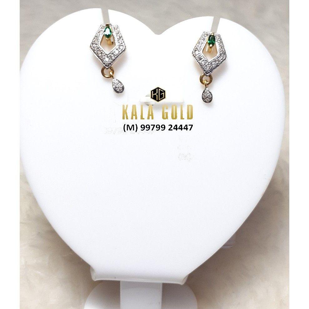 916 Cz Green Stone Earrings