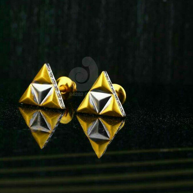 18ct Tringal Shaped Cz Gold Tops